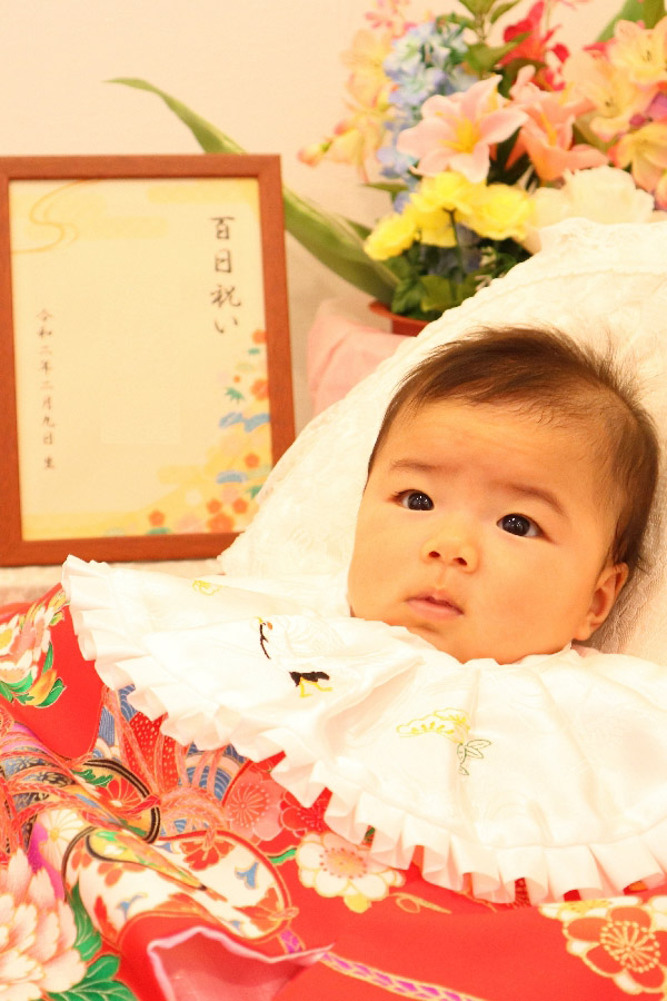 赤い着物(産着)でお宮参り撮影|鈴鹿|子供専門写真館スタジオバンビ|