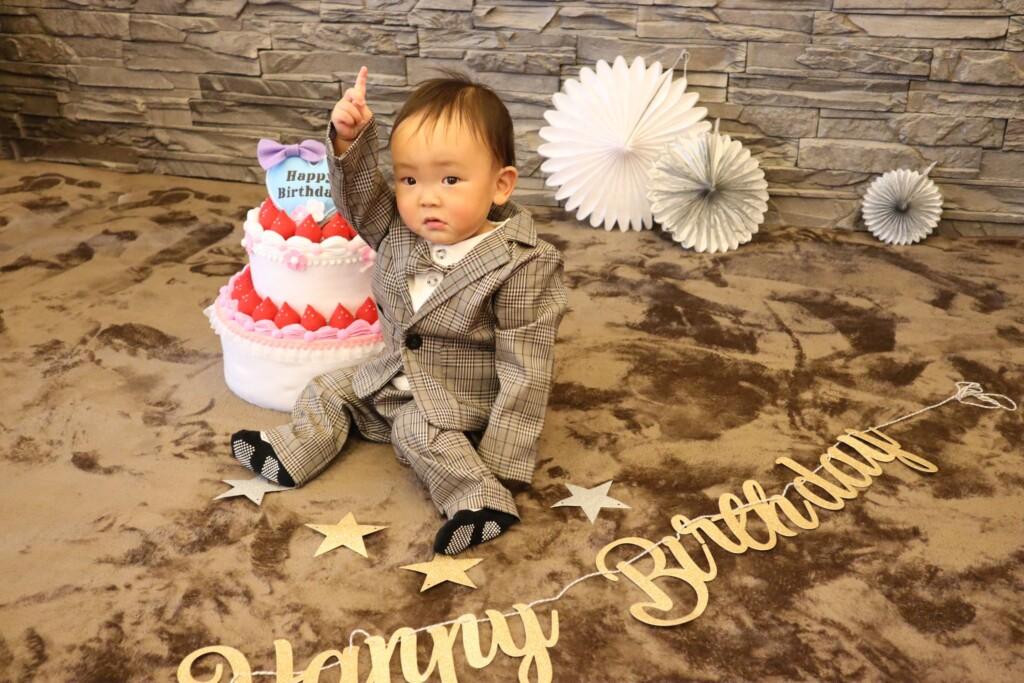 スーツで1歳お誕生日撮影|スタジオバンビ鈴鹿