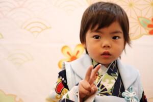 スタジオバンビ鈴鹿|五歳男の子の七五三撮影|ピースで撮影